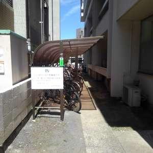メゾンドール高田馬場の駐輪場
