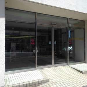 メゾンドール高田馬場のマンションの入口・エントランス