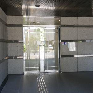 プリメール柳島のマンションの入口・エントランス