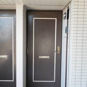 プリメール柳島(9階,4880万円)のフロア廊下(エレベーター降りてからお部屋まで)