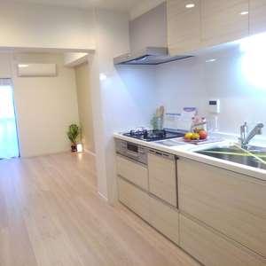 ライオンズマンション下落合(1階,)の居間(リビング・ダイニング・キッチン)