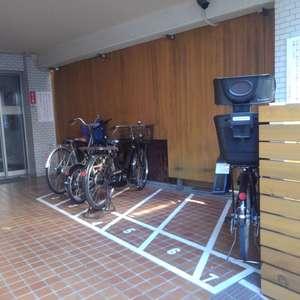 ダイアパレス上落合の駐輪場