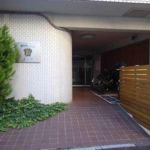 ダイアパレス上落合のマンションの入口・エントランス