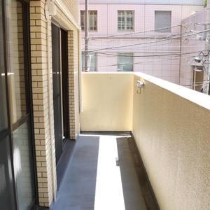 ライオンズマンション護国寺第3(2階,3380万円)のバルコニー