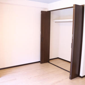 ライオンズマンション護国寺第3(2階,3380万円)の洋室(2)