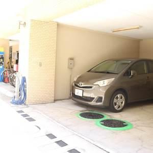 ライオンズマンション護国寺第3の駐車場