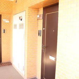 三井音羽ハイツ(9階,)のフロア廊下(エレベーター降りてからお部屋まで)