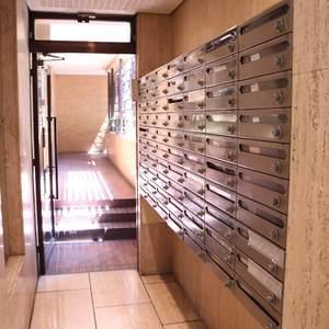 三井音羽ハイツのエレベーターホール、エレベーター内