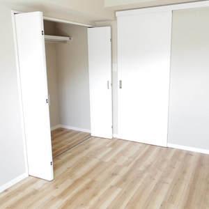 パシフィック中野(4階,4180万円)の洋室