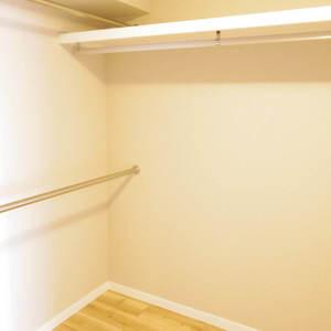 パシフィック中野(4階,4180万円)のウォークインクローゼット