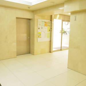 パシフィック中野のエレベーターホール、エレベーター内