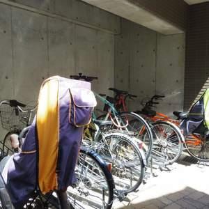 スカーラ中野新井の駐輪場
