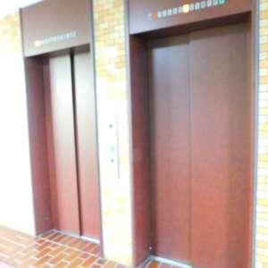 パシフィック西早稲田のエレベーターホール、エレベーター内