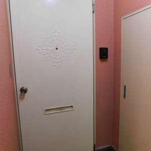 西早稲田ハイツ(3階,3780万円)のフロア廊下(エレベーター降りてからお部屋まで)