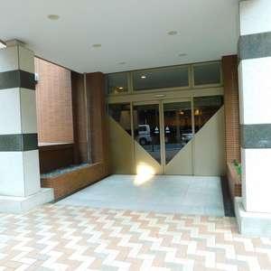 池袋パークタワーのマンションの入口・エントランス