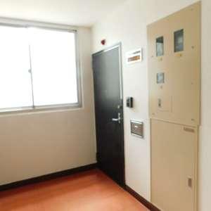 秀和大山レジデンス(2階,)のフロア廊下(エレベーター降りてからお部屋まで)