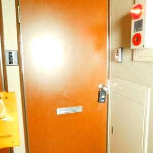 レジェンド大山(2階,)のフロア廊下(エレベーター降りてからお部屋まで)
