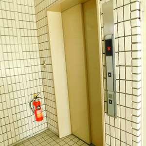 レジェンド大山のエレベーターホール、エレベーター内