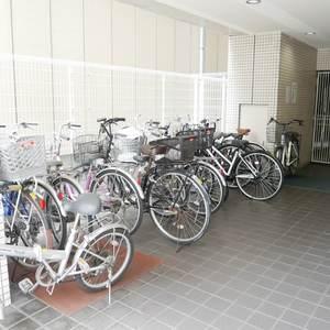 パシフィックパレス元浅草の駐輪場