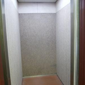パシフィックパレス元浅草のエレベーターホール、エレベーター内