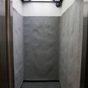 菱和パレス秋葉原駅前のエレベーターホール、エレベーター内