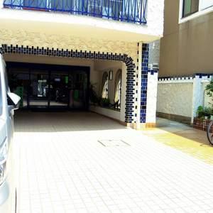 カーサ沼袋のマンションの入口・エントランス