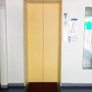 カーサ沼袋のエレベーターホール、エレベーター内