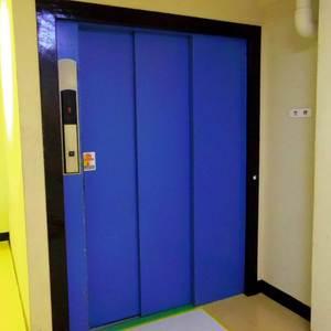 マンション沼袋のエレベーターホール、エレベーター内
