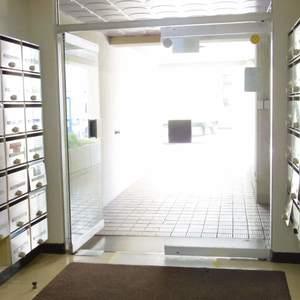 マンション沼袋のマンションの入口・エントランス