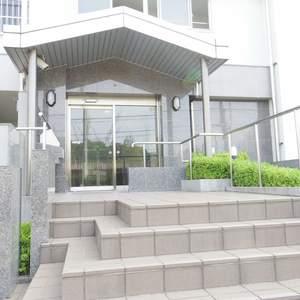 パシフィック松が丘のマンションの入口・エントランス
