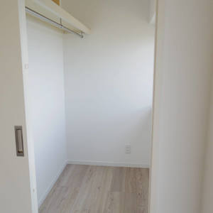 中野ハイネスコーポ(7階,2999万円)の洋室(2)