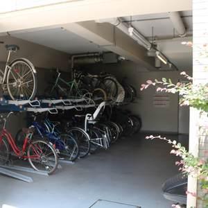 グランディ市谷柳町の駐輪場
