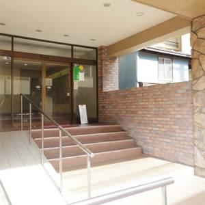 中野ハイネスコーポのマンションの入口・エントランス
