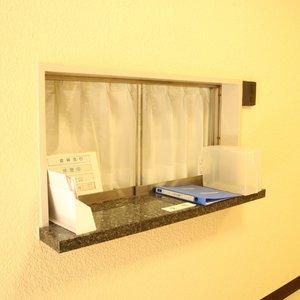 牛込ハイマンションのエレベーターホール、エレベーター内