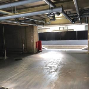 セザール第2中野の駐車場