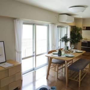 中野松が丘ホワイトマンション(2階,3580万円)の居間(リビング・ダイニング・キッチン)