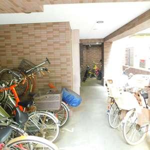 菱和パレス池袋の駐輪場