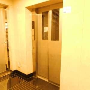 菱和パレス池袋のエレベーターホール、エレベーター内