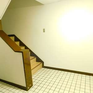 サンサーラ池袋(2階,4780万円)のフロア廊下(エレベーター降りてからお部屋まで)