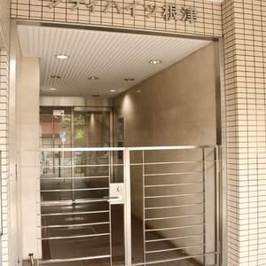 シティハイツ根津のマンションの入口・エントランス