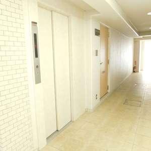 GSハイム板橋南町のエレベーターホール、エレベーター内