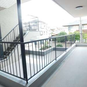 GSハイム板橋南町(2階,)のフロア廊下(エレベーター降りてからお部屋まで)