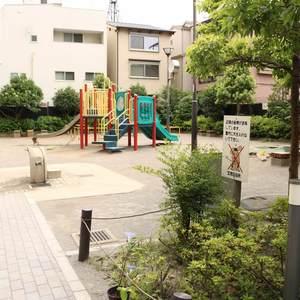 シーアイマンション根津弥生坂の近くの公園・緑地
