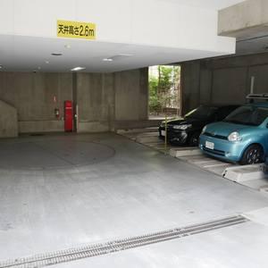 プリムローズ浅草ウエストの駐車場
