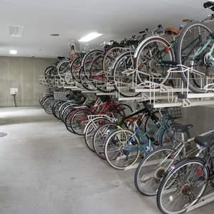 プリムローズ浅草ウエストの駐輪場