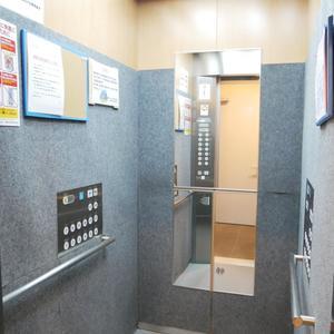 日神デュオステージ浅草松が谷のエレベーターホール、エレベーター内