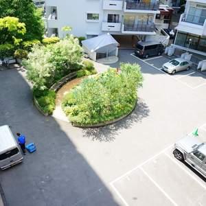 マンション雅叙苑3号館の駐車場