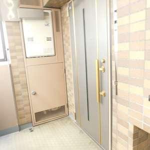 グランシティ早稲田(2階,)のフロア廊下(エレベーター降りてからお部屋まで)
