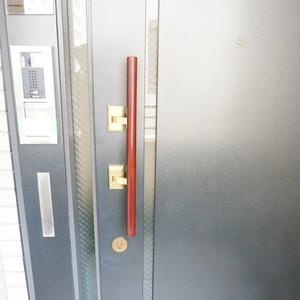 松濤ガーデン(2階,)のフロア廊下(エレベーター降りてからお部屋まで)
