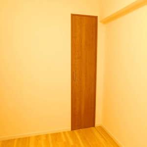 グランシティ早稲田(2階,5180万円)の洋室(2)